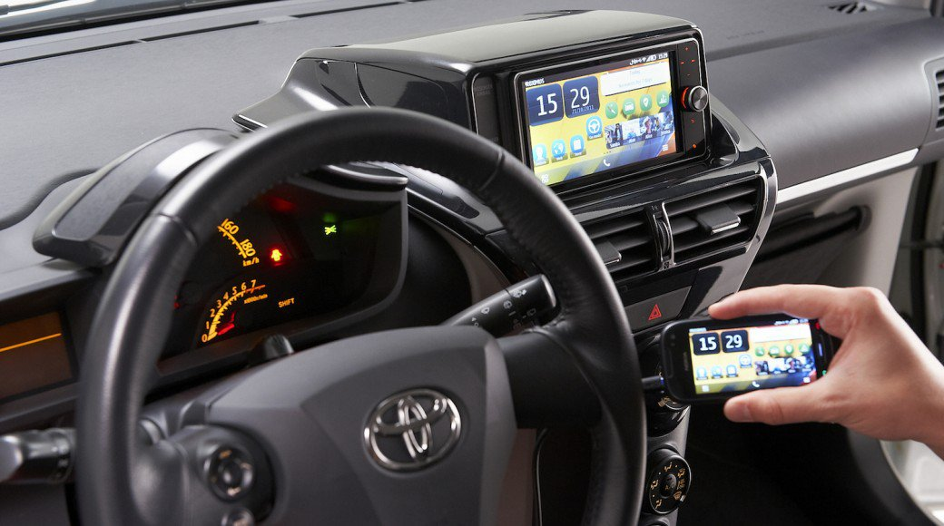 Toyota-Connectivity-600