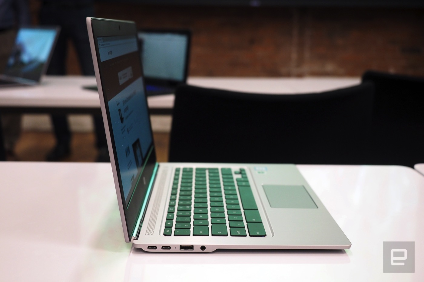 HP Chromebook 13 2016 600 05