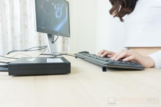 HP EliteDisplay E272q + HP ProDesk 400 G2 Review-10