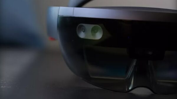 HoloLens with atom chipset 600