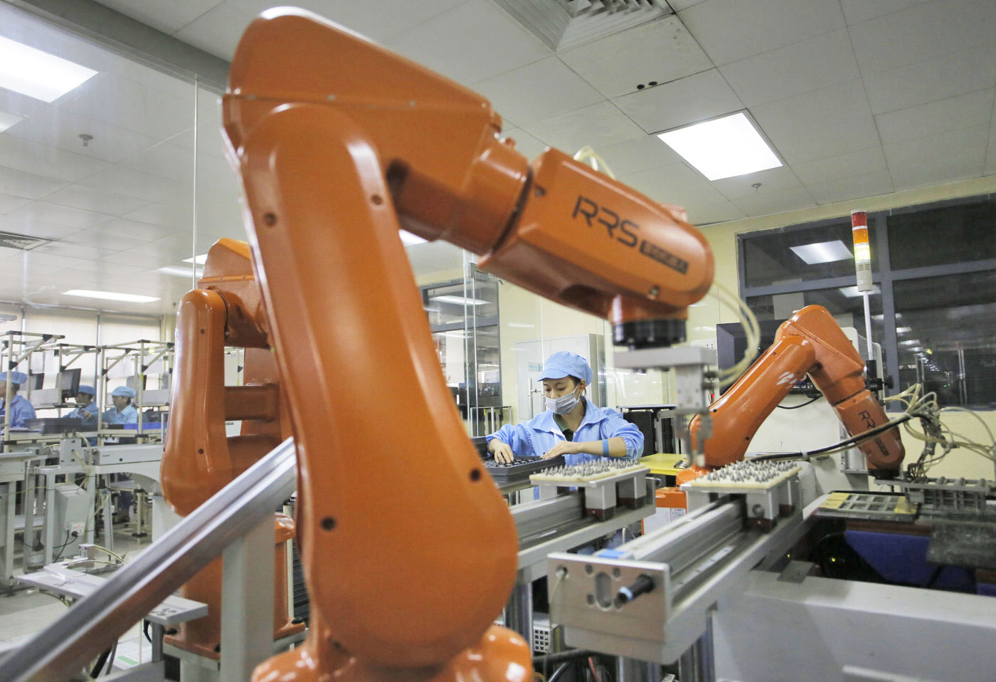 foxconn robots for automated manufacturing 600