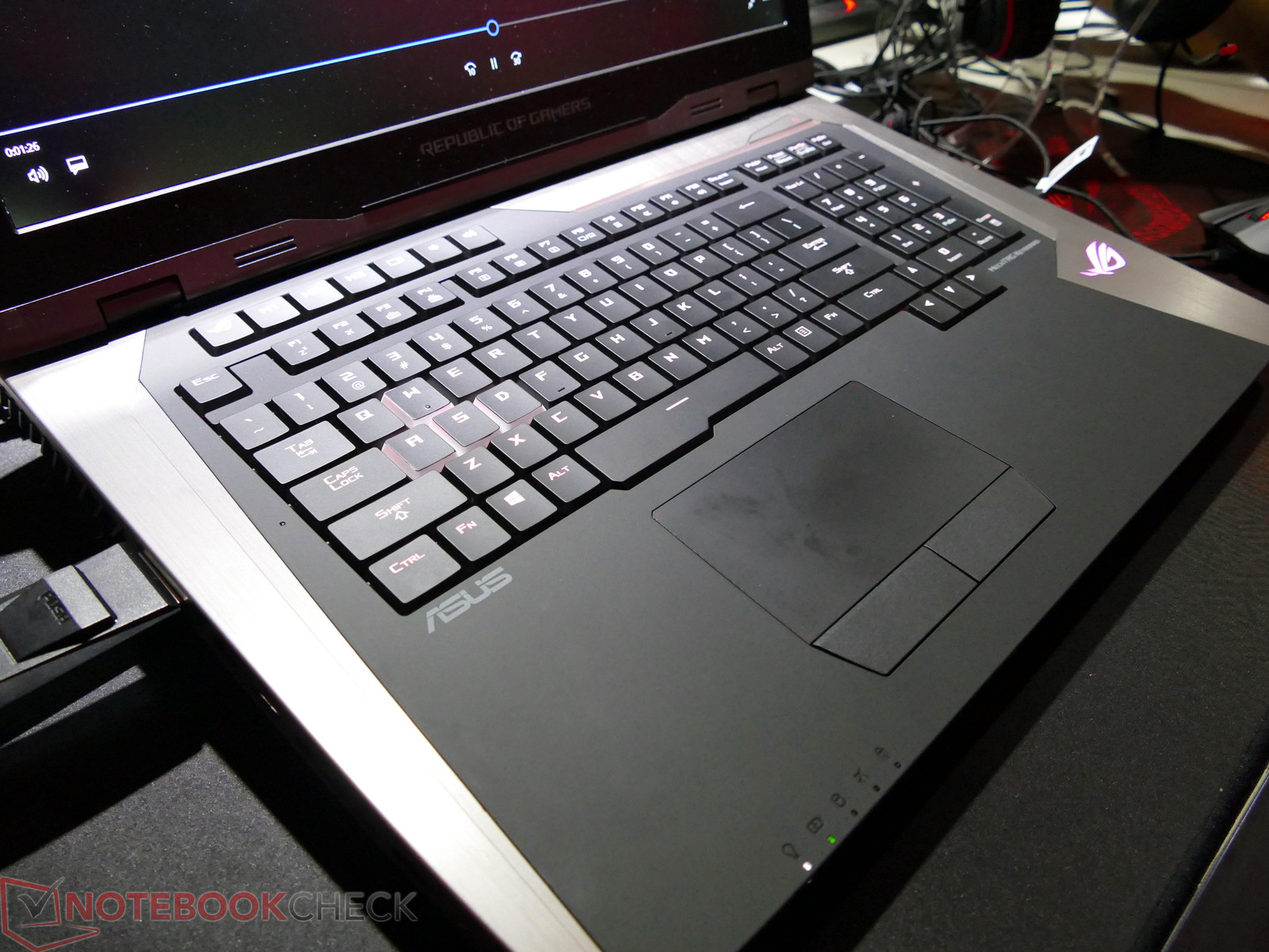 ASUS GX800 600 05