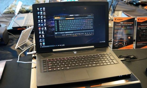 aorus-a7x-pro-laptop-rocks-dual-gtx-1080m-sli-4k-display-120hz 600