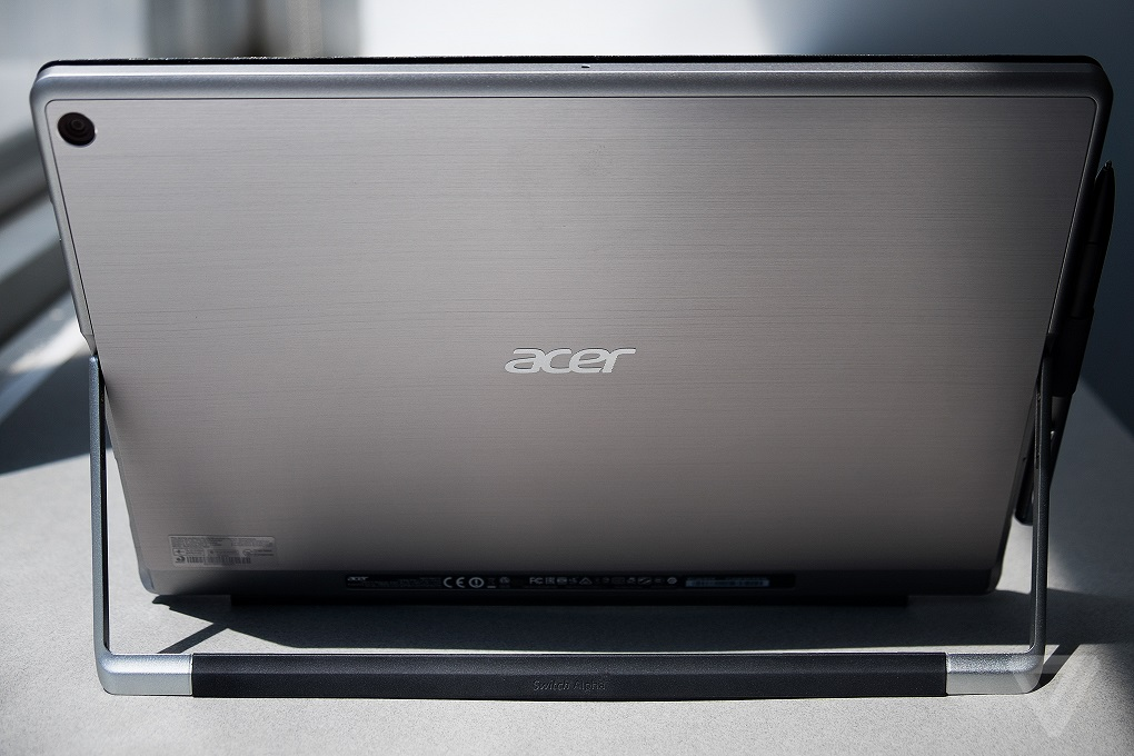 Acer Switch Alpha 12 600 02