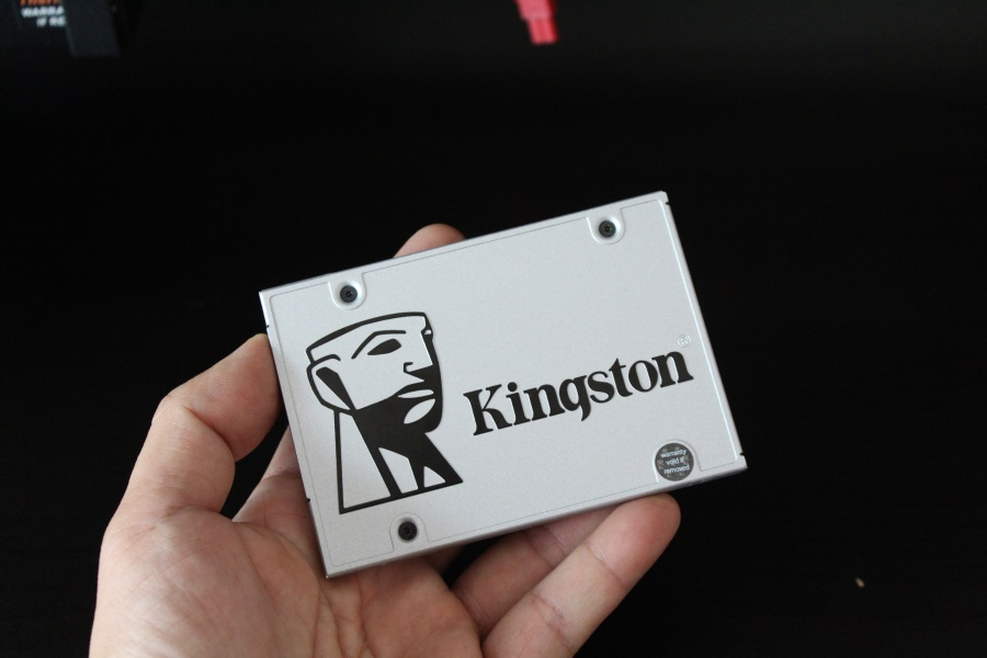 Kingston-UV400