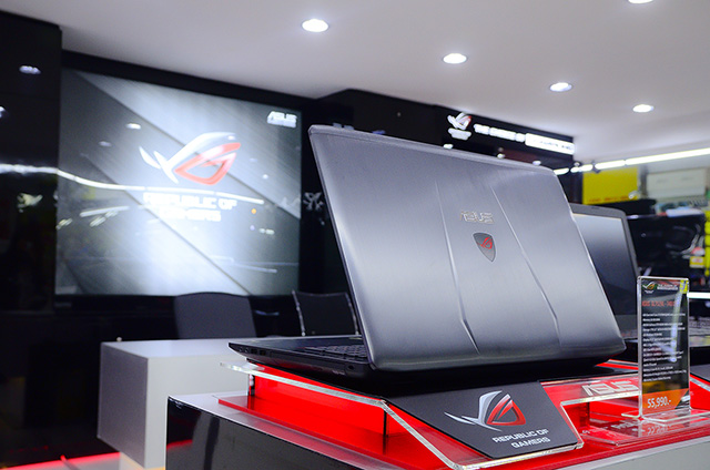 asus-rog-experience-shop-by-j-net_5