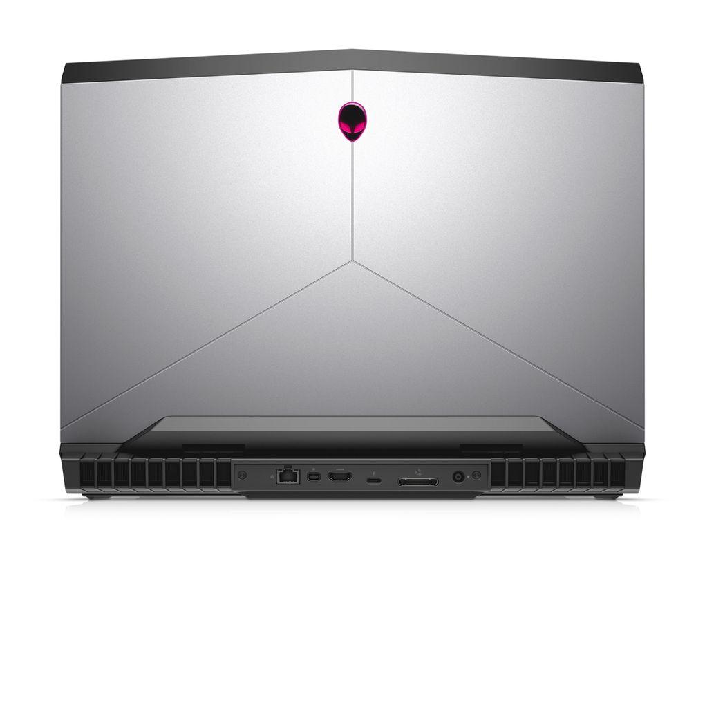 Alienware 17 update 600 06