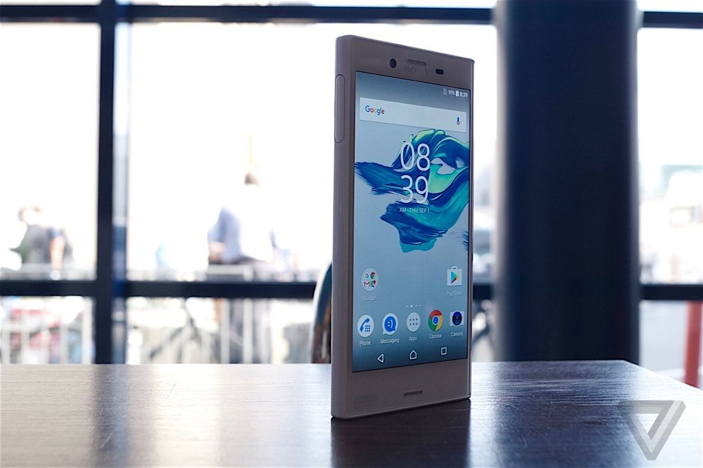 SONY XPERIA X Compact 600 03