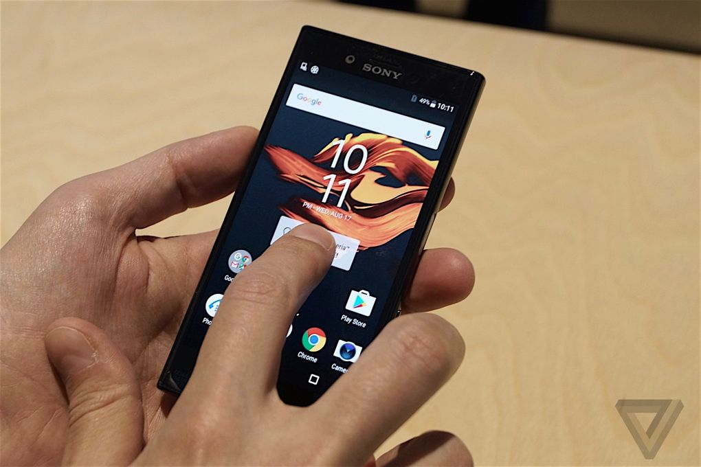 SONY XPERIA X Compact 600 13