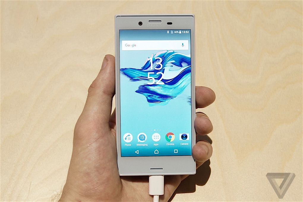 SONY XPERIA X Compact 600 26