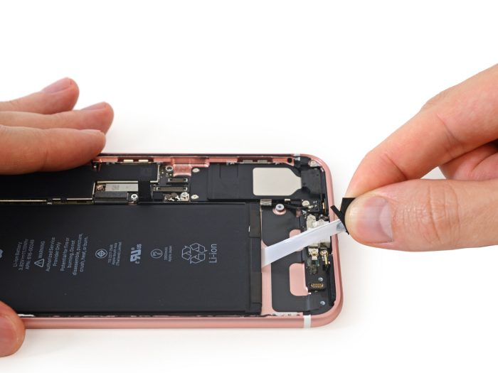 ifixit-iphone-7_7plus-teardown-600-04