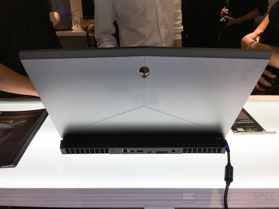 alienware-store-review-31