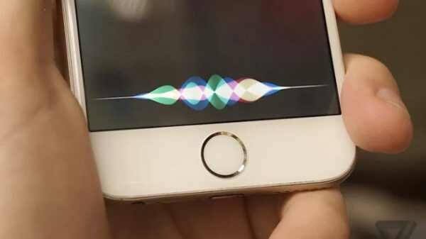Apple open AI Siri on iPhone 7 600