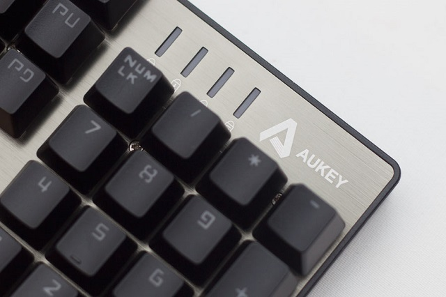 aukey-km-g3-indicators