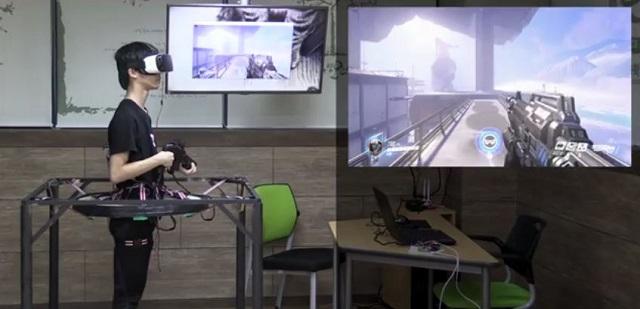 [Overwatch] นักเรียนเกาหลีไอเดียเจ๋งสร้างเครื่องเล่น VR เสมือนจริงสำหรับเล่นเกมโดยเฉพาะ