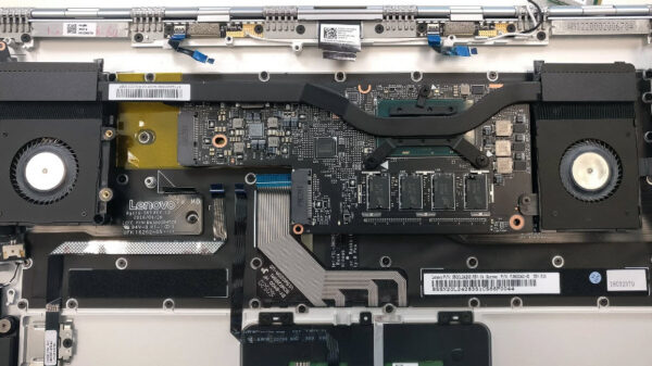 Lenovo Yoga 910 inside 9