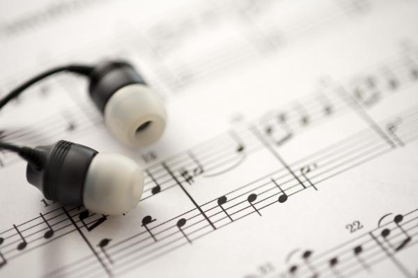 121214-listening-to-digital-music