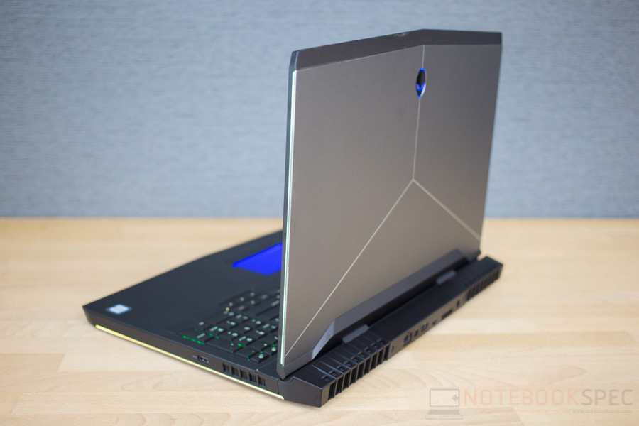 Dell Alienware 17 R4 Review-35