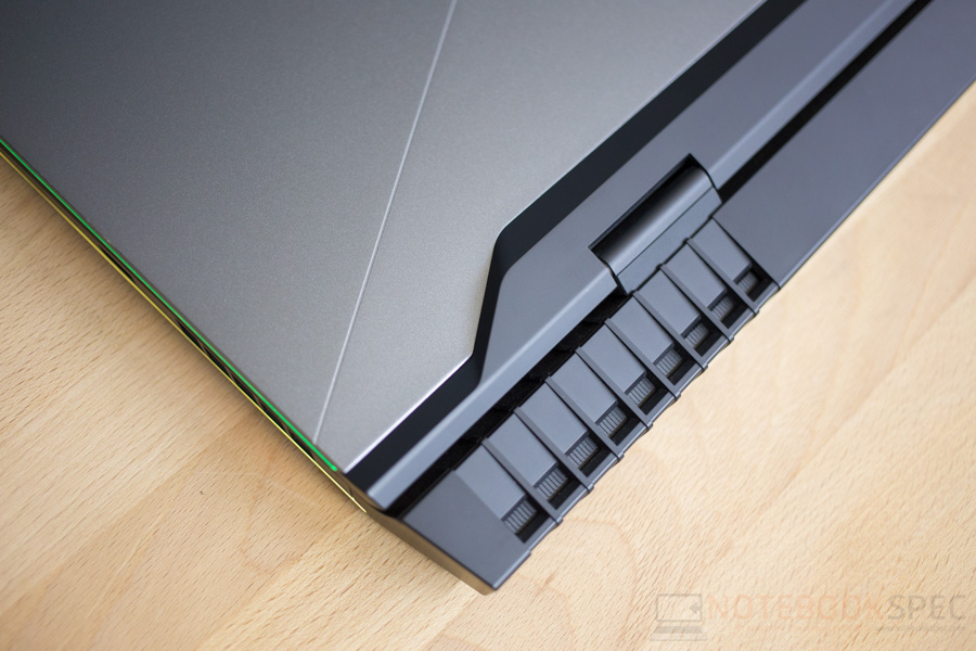 Dell Alienware 17 R4 Review-8