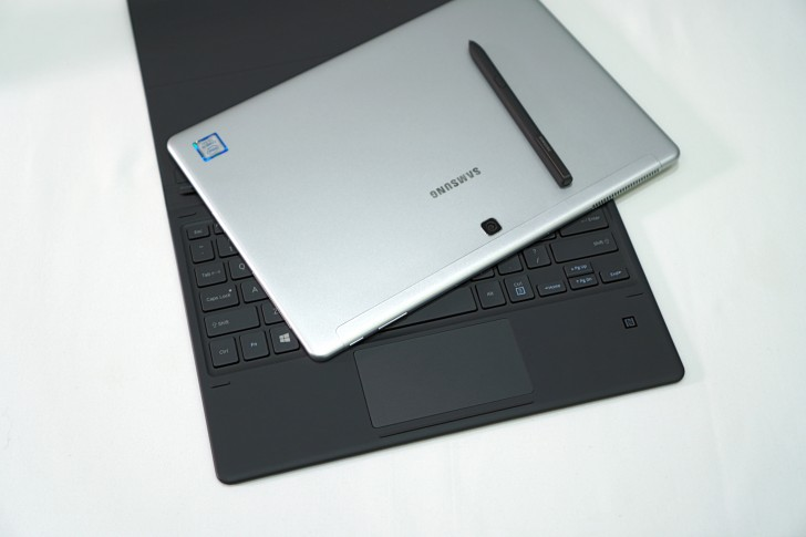 Samsung Galaxy Book 10.6 and Galaxy Book 12 Preview 600 07