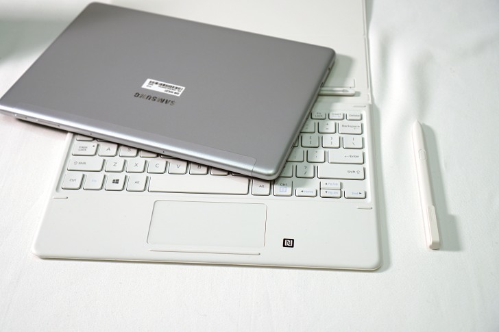 Samsung Galaxy Book 10.6 and Galaxy Book 12 Preview 600 08
