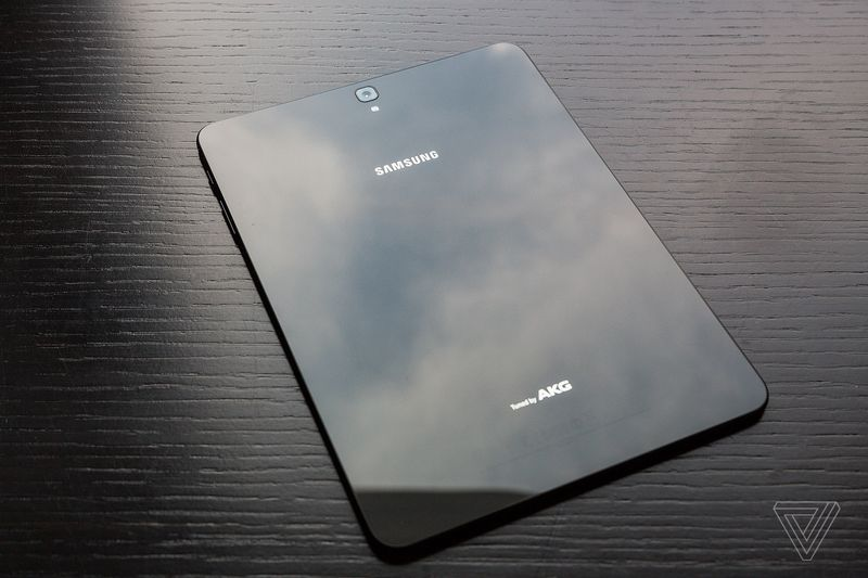 Samsung Galaxy Tab S3 600 02