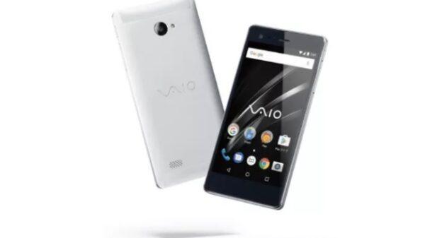 Sony VAIO phone 600 01