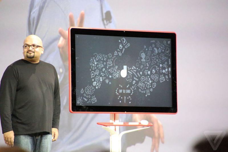 google giant 4K digital whiteboard 600 01