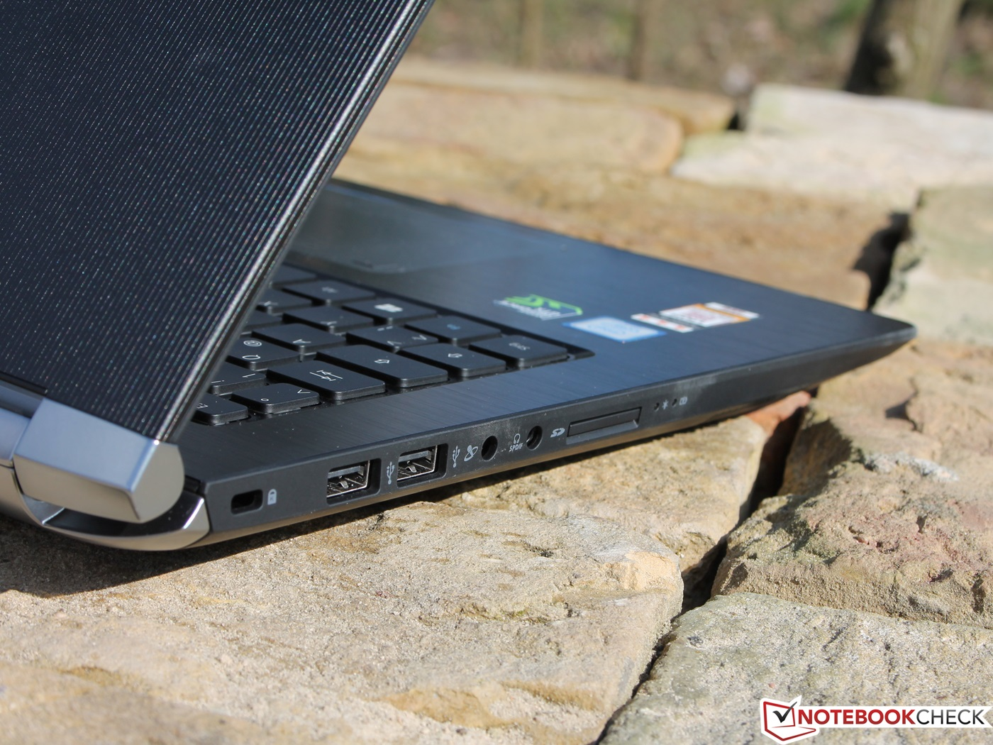 review Acer Aspire V15 Nitro BE VN7-593G 600 03