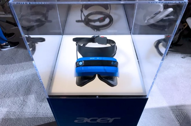 Acer Mixed Reality Head Mounted Display 600 00