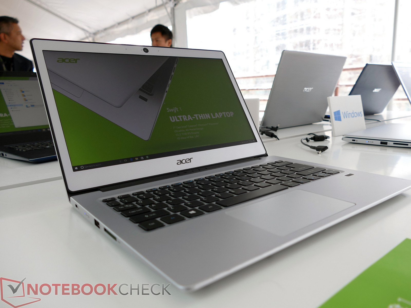 Acer Ultra-slim Swift 1 600 01