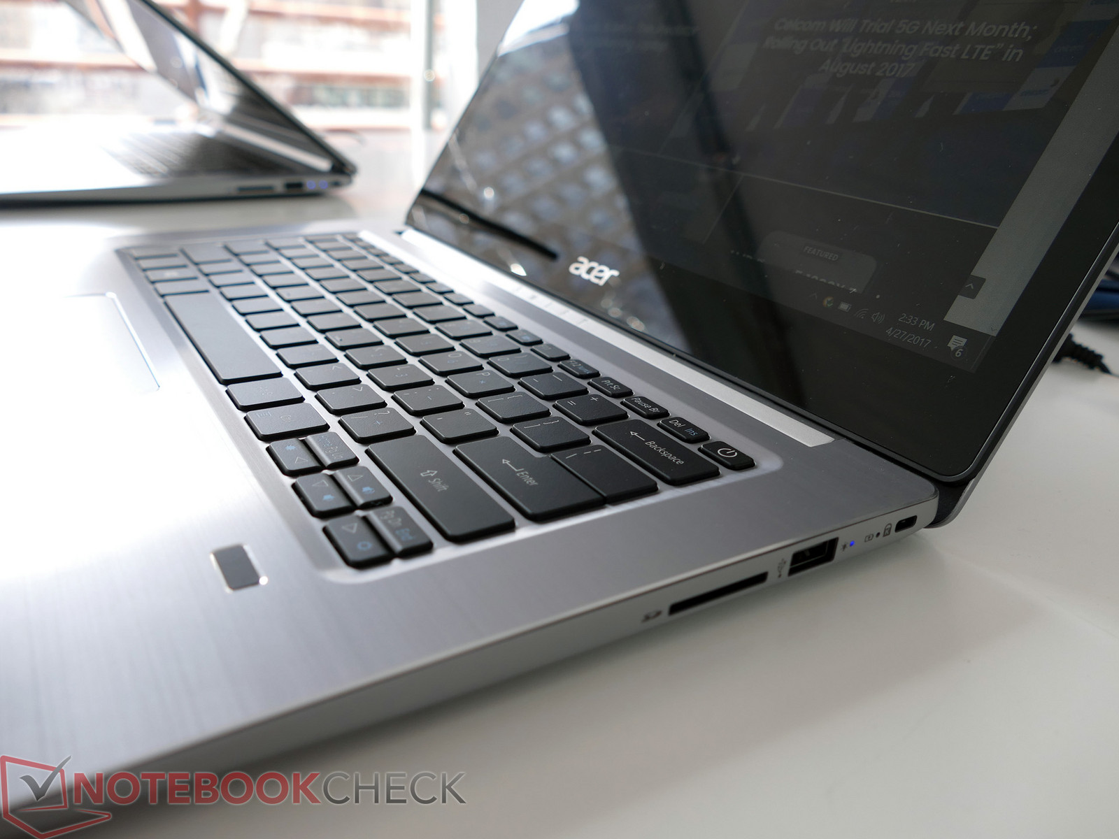 Acer Ultra-slim Swift 3 600 02