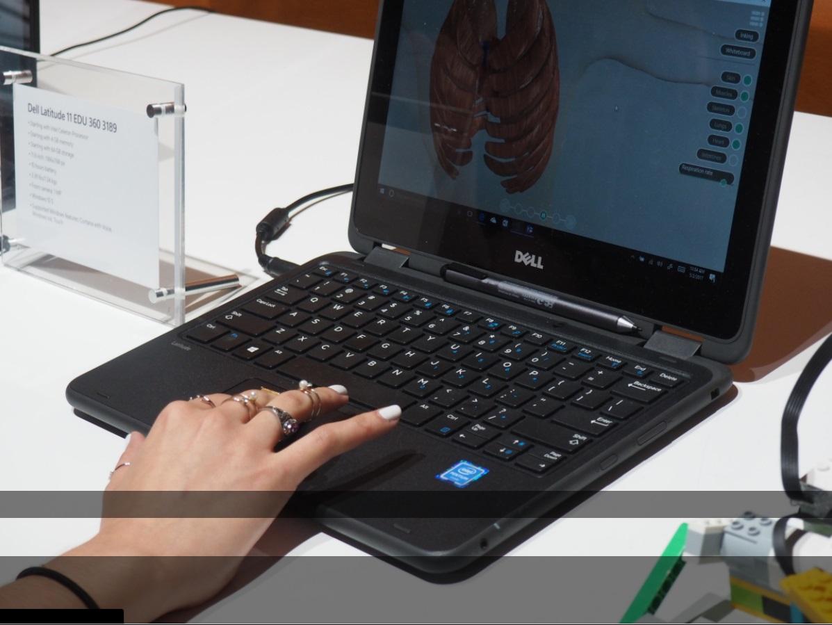 windows 10 S laptop 600 03