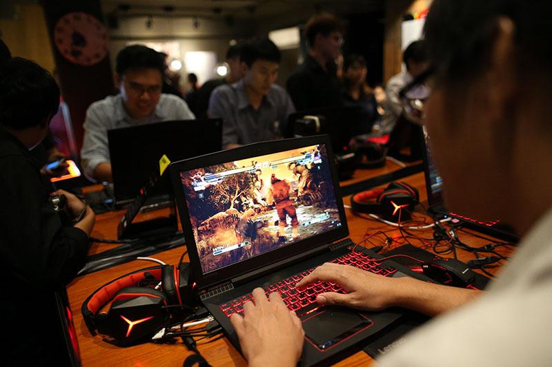 04 สัมผัสประสบการณ์สุดมันส์กับการเล่นเกม Takken 7 ด้วยเครื่อง Legion จาก Lenovo Y520 Laptop