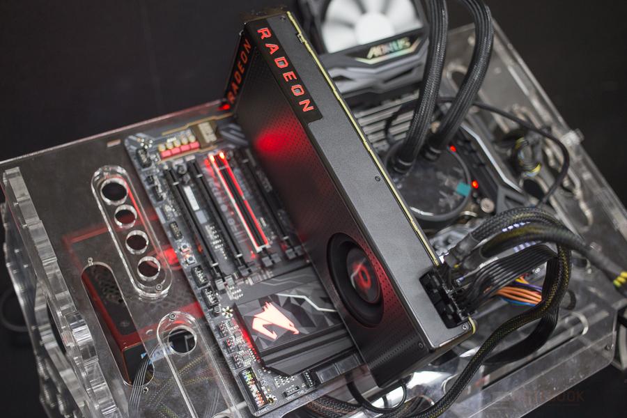 AMD REDEON VEGA 11