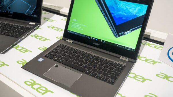 Acer Spin 5 2 in 1 convertible 600 01