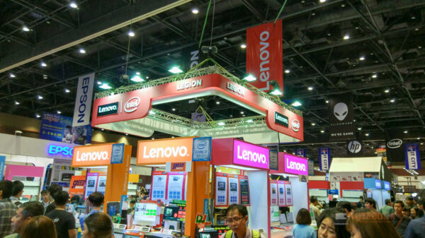 Lenovo Dell booth 1