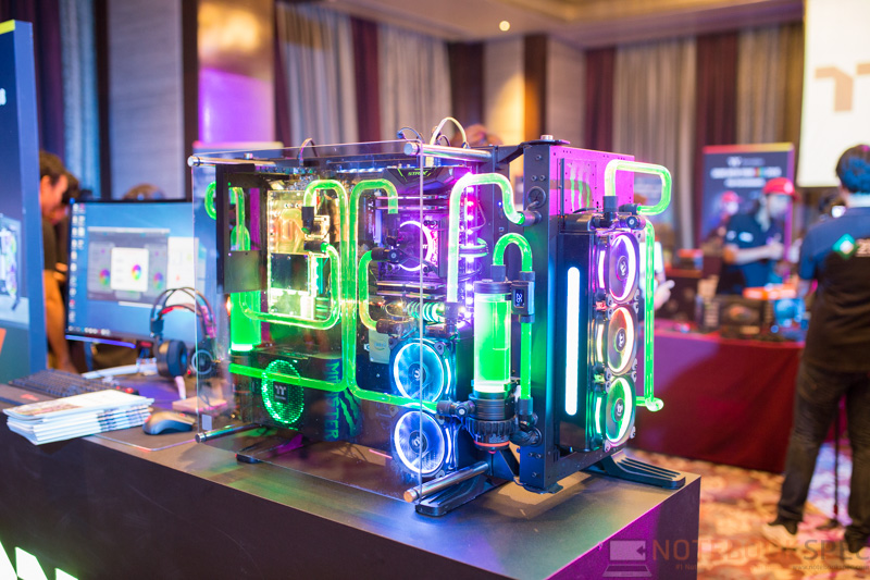 Gaming gear-Thermaltake โชว์เกมมิ่งเกียร์ RGB, Water cooling เคสใหม่ เอาใจเกมเมอร์และนักโมฯ ก่อนขายจริง