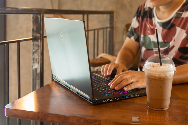 MSI GS65 8RE Review 51