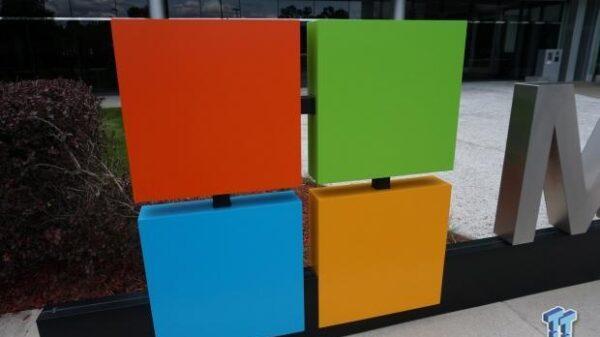 62304 14 microsoft nixes vr plans xbox pc best platform