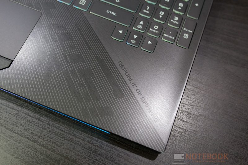 ASUS ROG Strix GL504 Hero II Edition Review 10