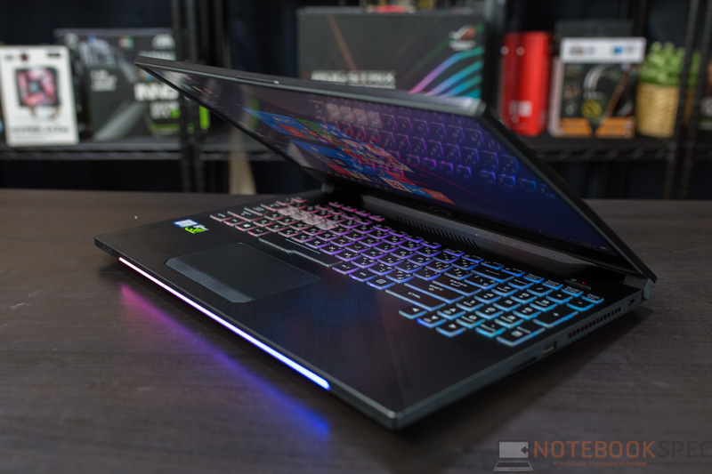 ASUS ROG Strix GL504 Hero II Edition Review 50