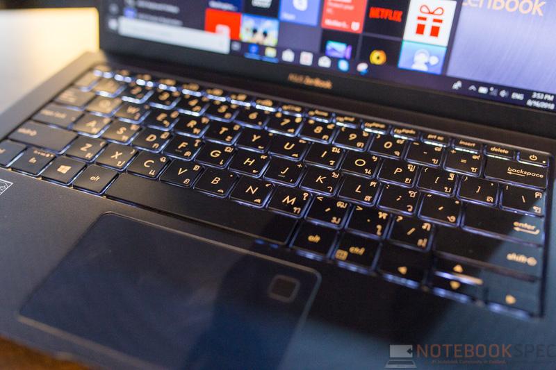 ASUS ZenBook UX391 Review 16