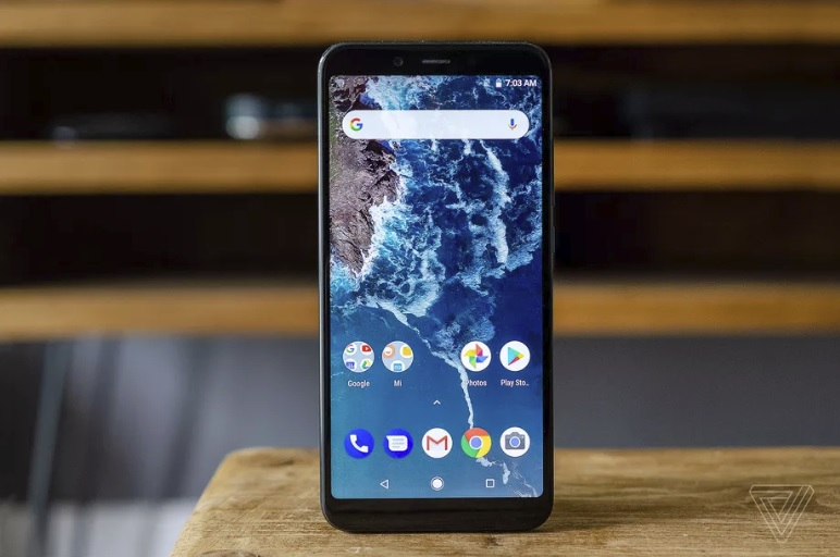Xiaomi MI A2 with android one 600 01