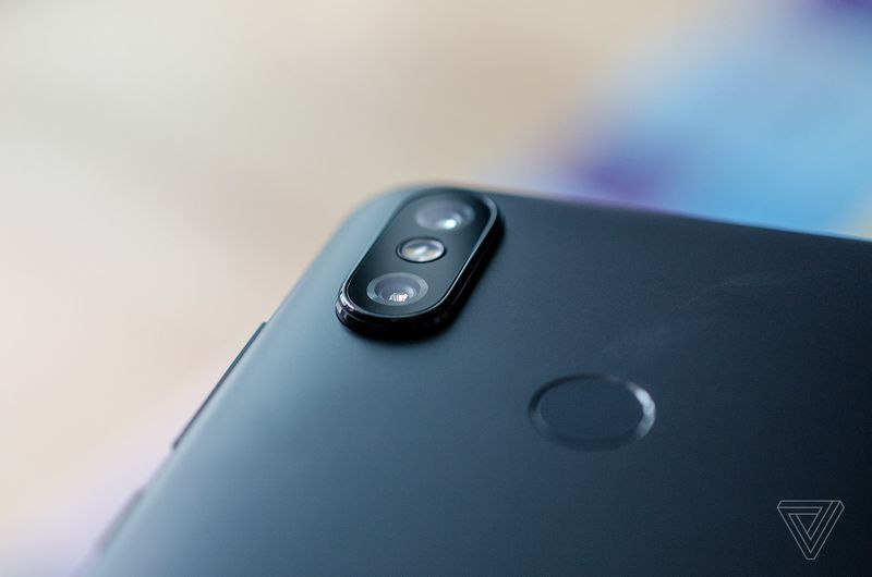 Xiaomi MI A2 with android one 600 03