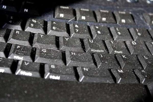 laptop Keyboard clean4