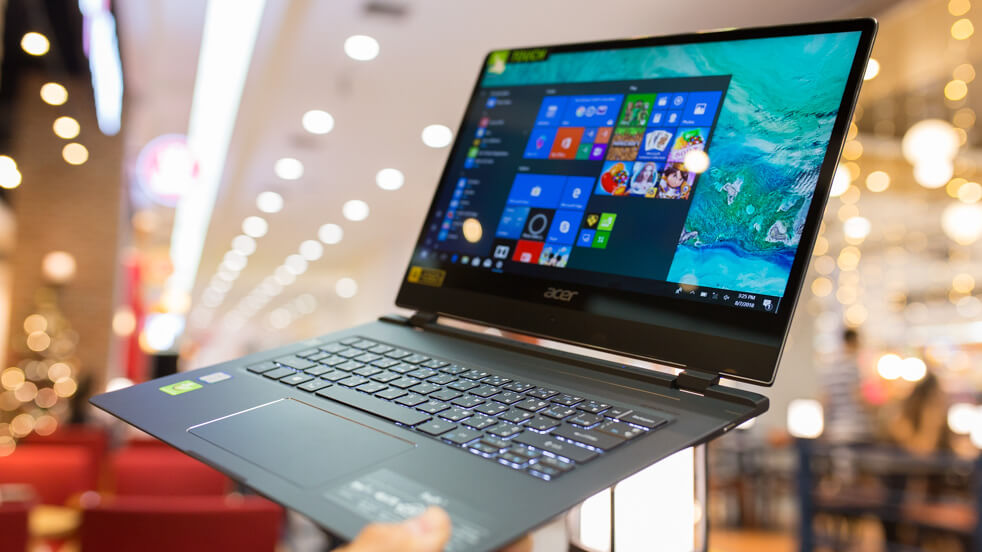 Acer Swift 7 2018 Review top 1