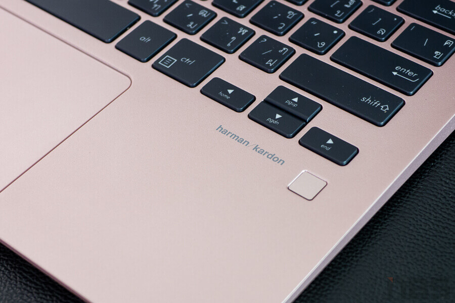 Review ASUS ZenBook UX331UAL NotebookSpec 4