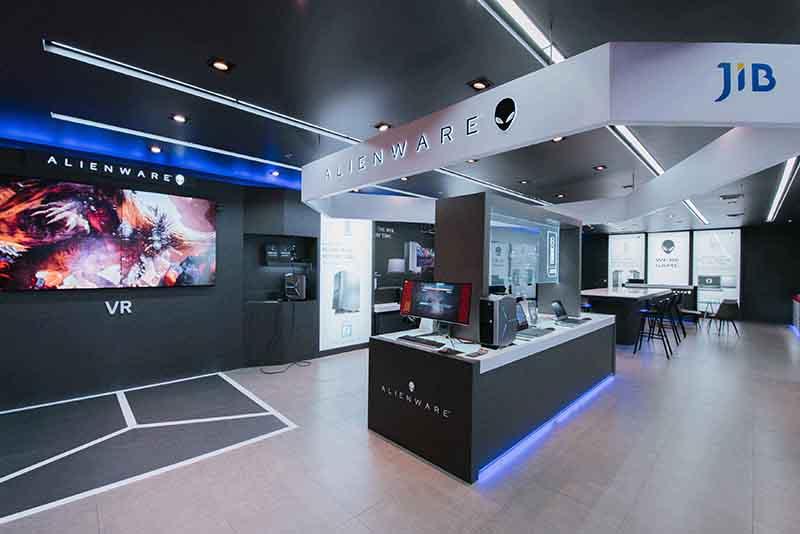 01 Alienware Experience Store