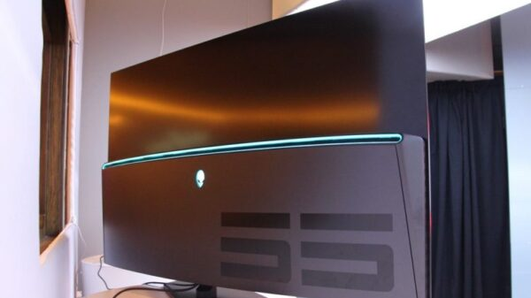 alienware 55 oled monitor 09 770x522